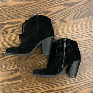 Jessica Simpson Black Fringe Suede booties size 7